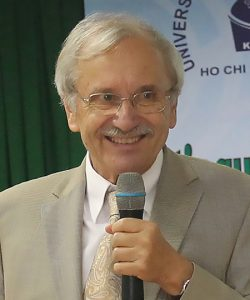 Professor <br> Wolfgang Schumann